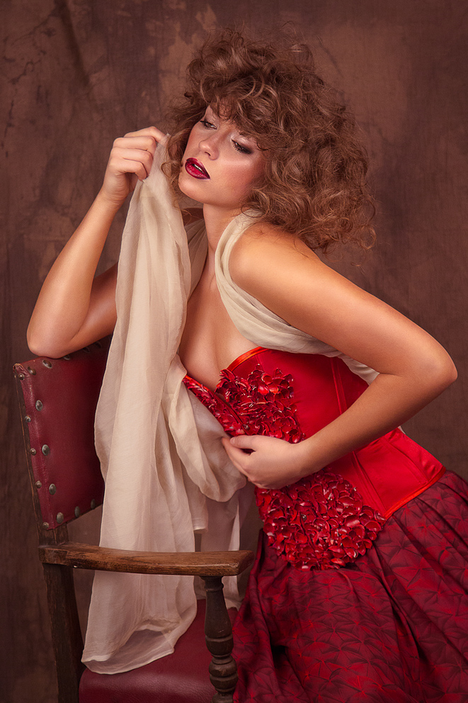 Summer Fashion: Corset and skirt by Jeffrey Michael, silk fabric (worn as a shawl) from Berwick Silks