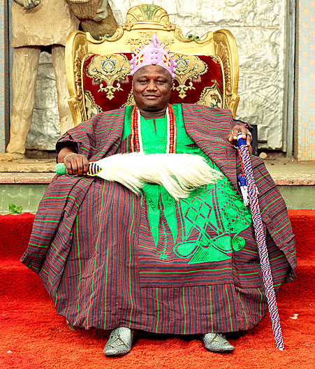 HRM Oba Jimoh Oyetunji Olanipekun Larooye II, Ataoja of Osogboland: photography of Nigerian kings and queens by George Osodi