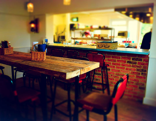 Victoria in Mile End London, Restaurant Review