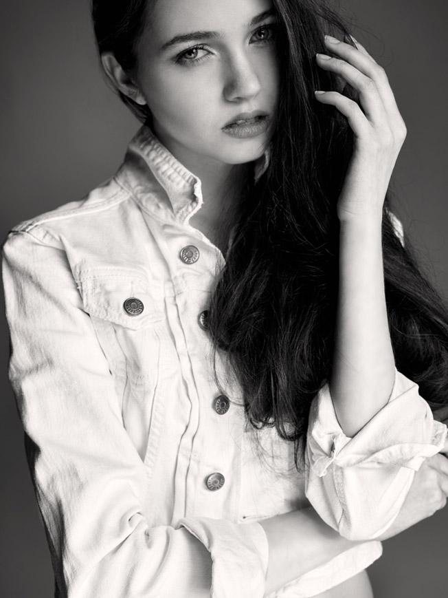Denim fashion: Jacket by H&M
