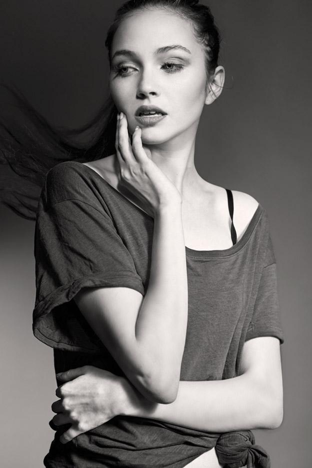 Denim fashion: T-shirt by H&M