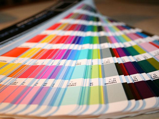 things graphic designers need - pantone chart