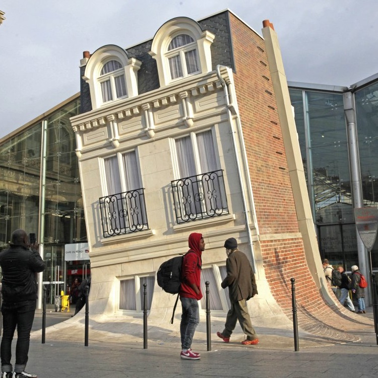 Paris is undergoing a face lift – but not everyone is happy – Flux ...