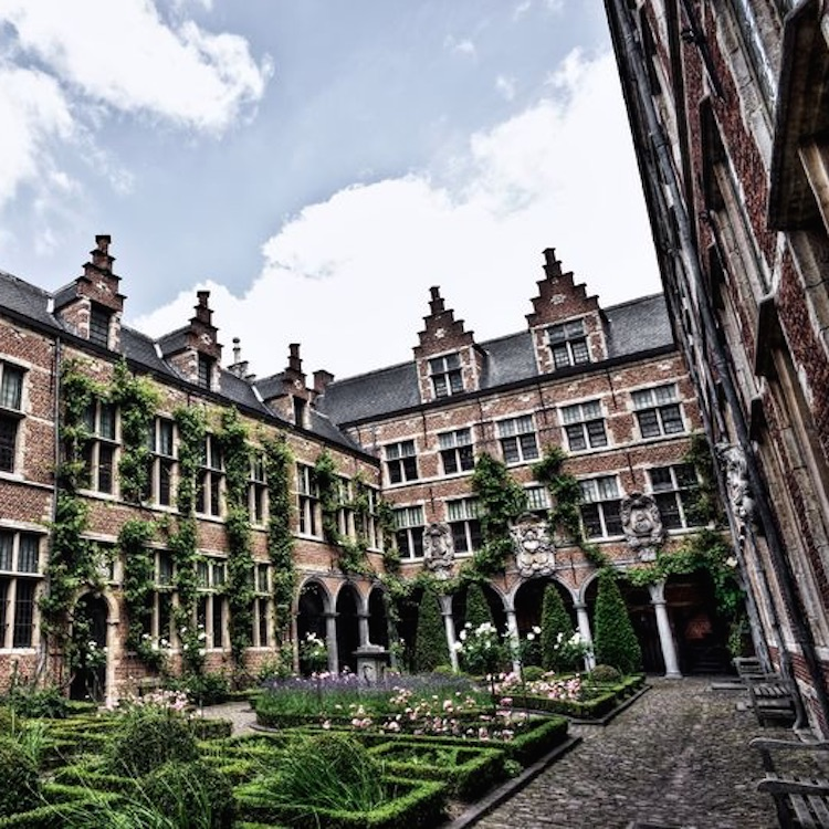 Antwerp guide