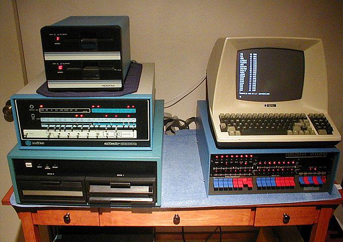 Vintage-Tech-Web-1