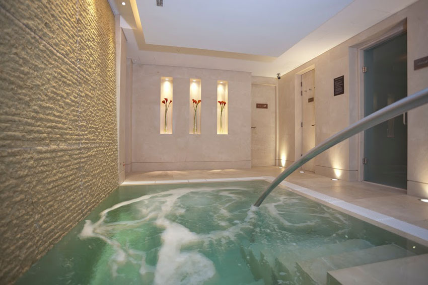 Ushvani spa, london spa with pool