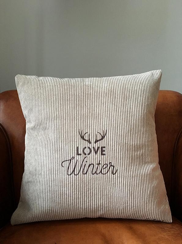 love winter cushion
