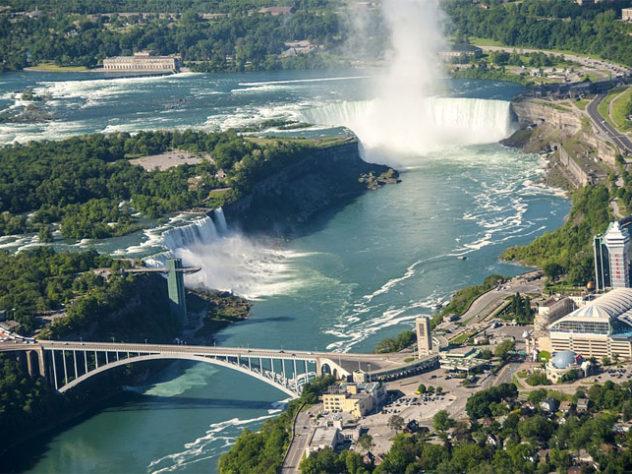 Restaurants Near Niagara Falls