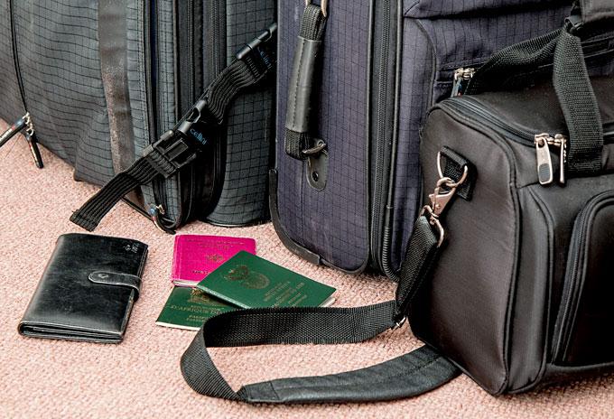 declutter your travel bag