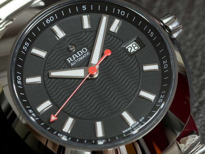 features radio watches