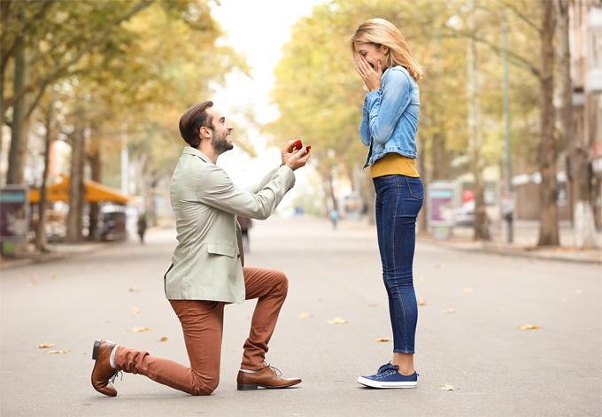 Announcing engagements