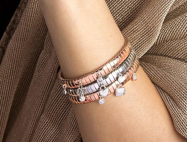 personalised bracelet this Christmas