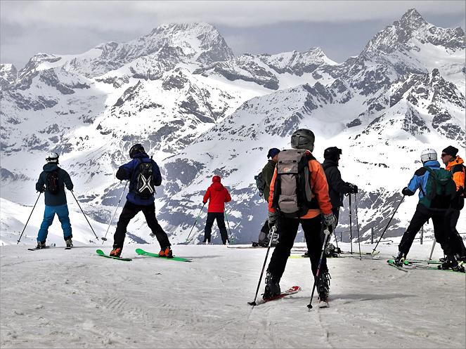 organise ski trip