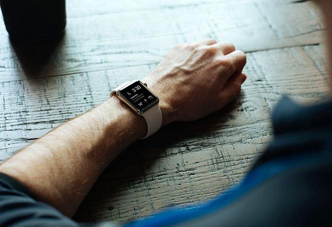 Right Smartwatch